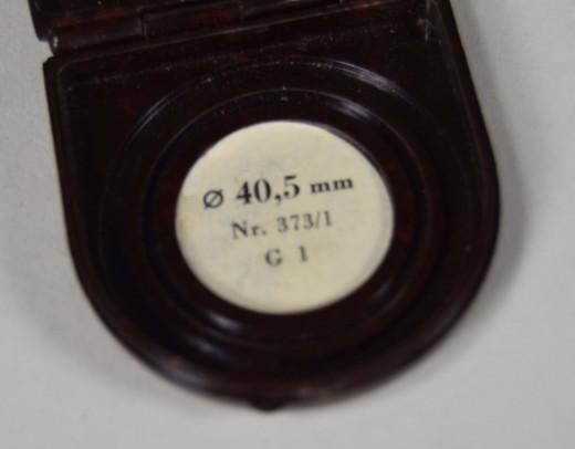 ZEISS IKON, Gelbfilter Nr. 373/1 in Bakelit®-Dose
