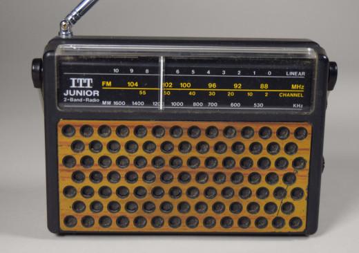 ITT Schaub-Lorenz, Kofferradio Junior 28B