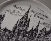 Berlin Gedächtniskirche, Untersetzer